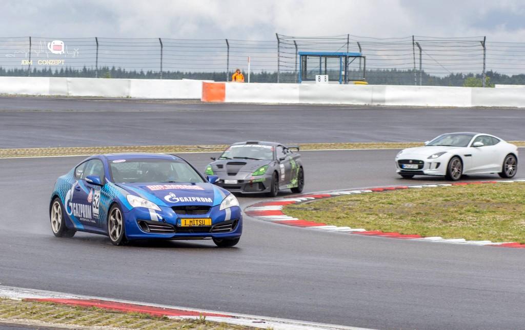 interview tatiana genesis coupe race car thekoreancarblog (4)