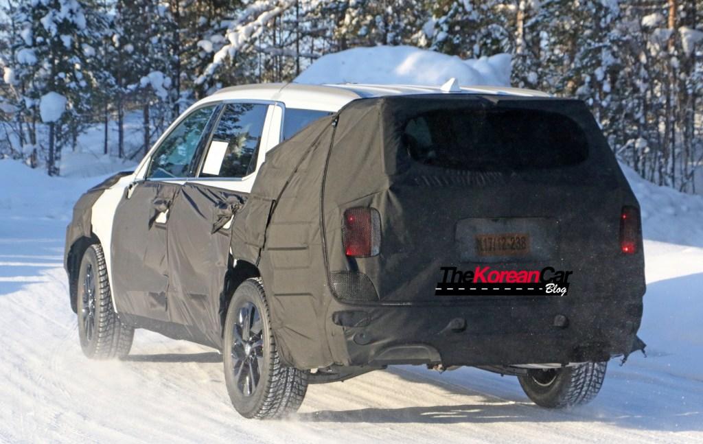 Hyundai Full Size SUV 9