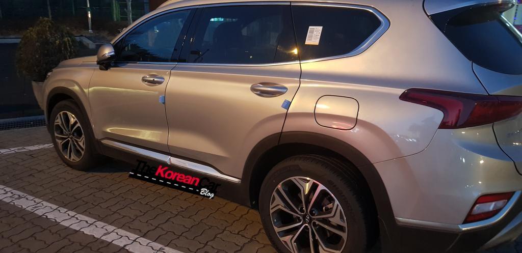 Hyundai Santa Fe spied new angles (6)