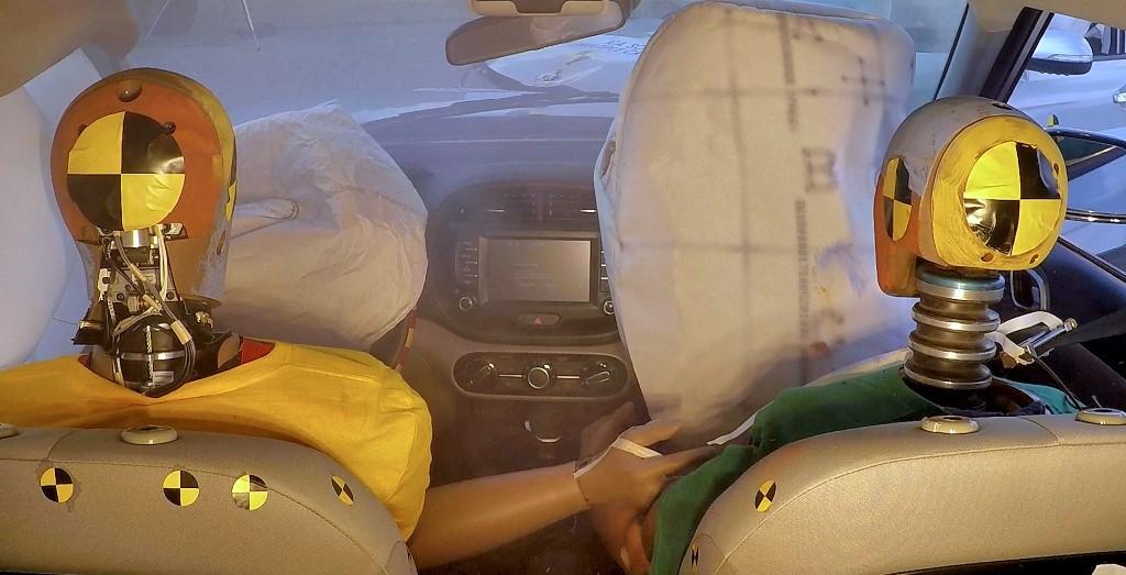 hyundai kia new multiple collision airbags (2)