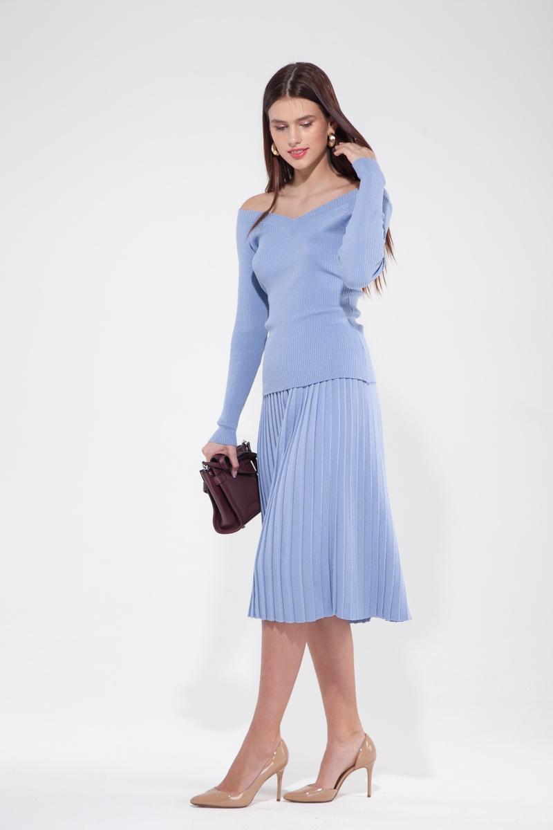 Костюм трикотажный из свитера со спущенными плечами и юбки плиссе лавандовый - THE LACE