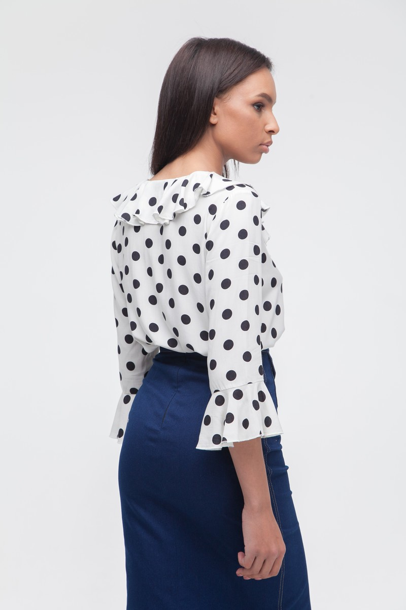 Блуза с воланами в горох белая - THE LACE