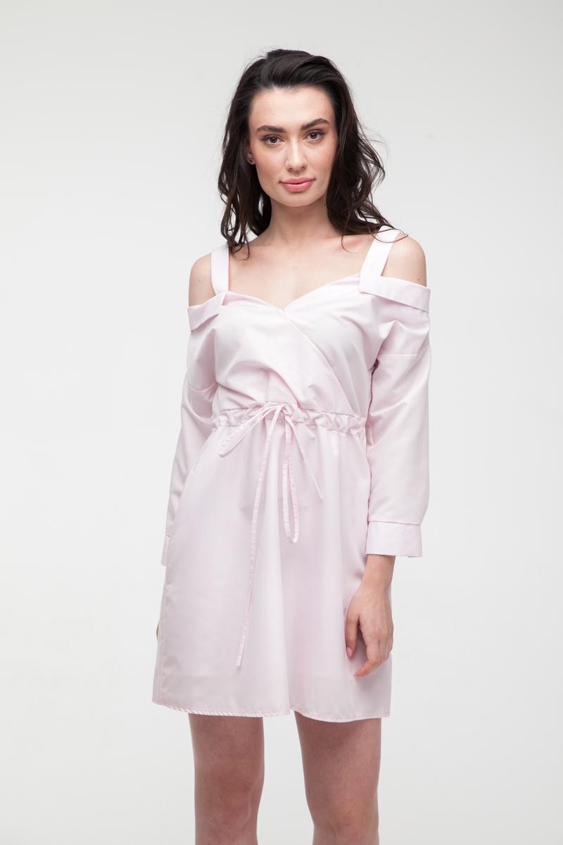 Платье-рубашка со спущенными плечами розовое