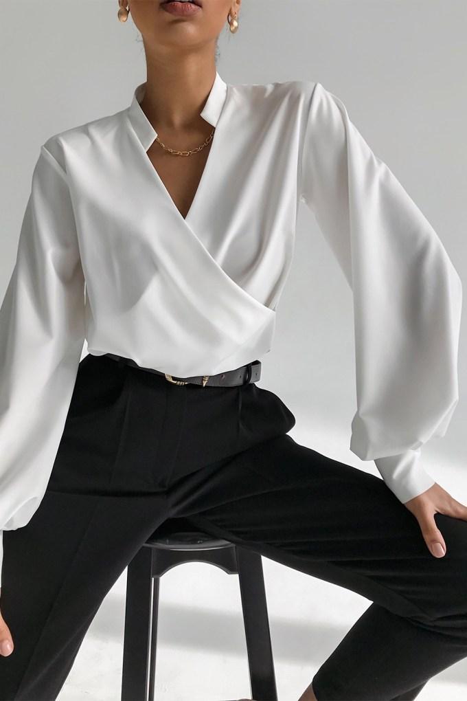 Блуза на запах молочная - THE LACE