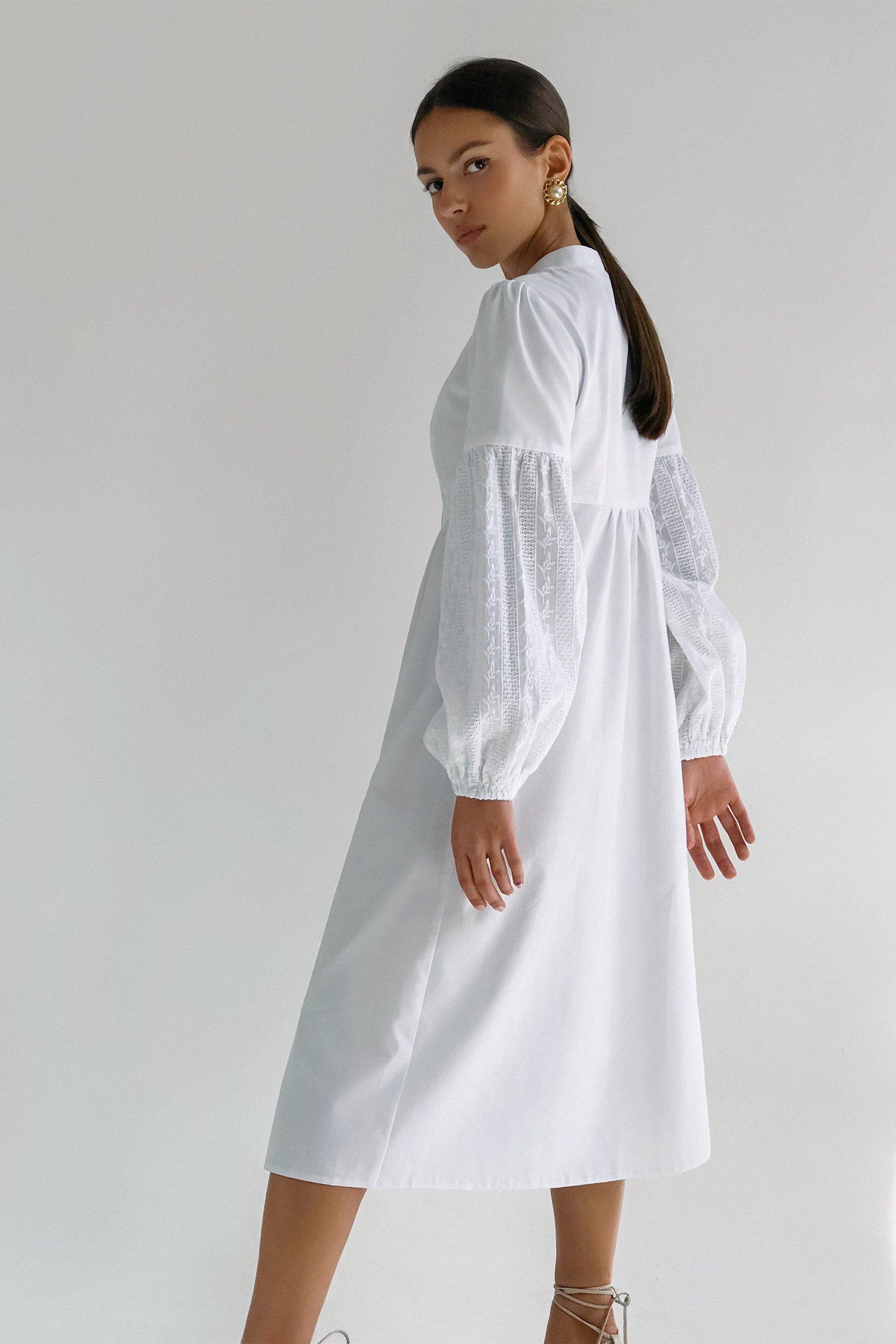 Платье миди объемным рукавом и вышивкой белое - THE LACE