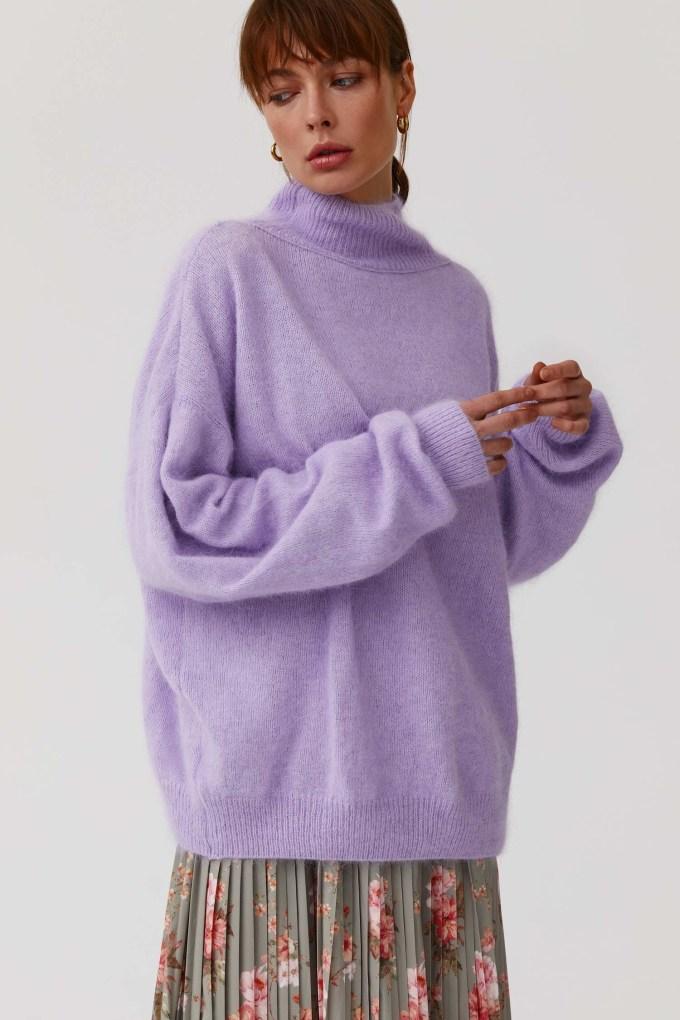 Объемный свитер из ангоры лиловый - THE LACE