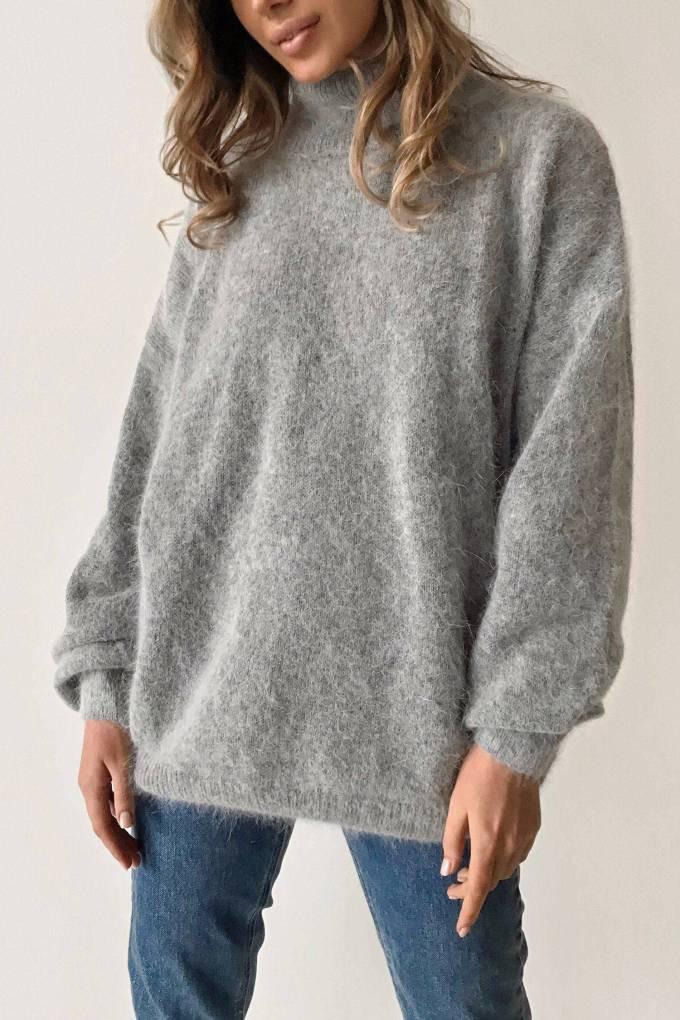 Объемный свитер из ангоры серый - THE LACE