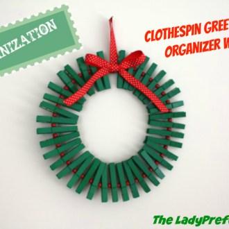 Clothespin Greeting Card Organizer Wreath!