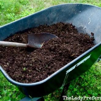 DIY Miracle Grow Soil Mix!