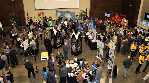 Hundreds attend school Magnet Fair