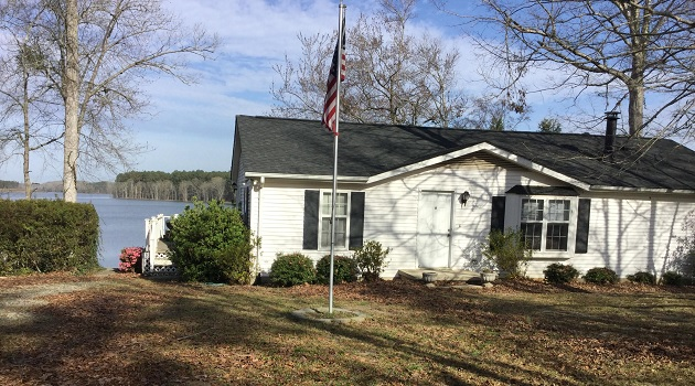 Saluda Lake Home for sale