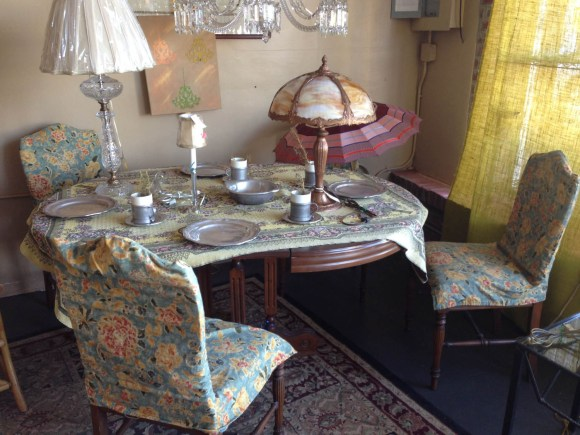 antique-dining-furniture