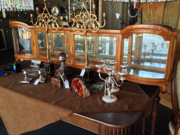 antique-display-furniture