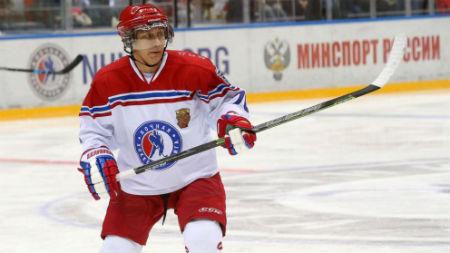 Putin-Hockey-Mdm-Close-Up-copy-sized