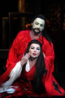 Guleghina as Turandot