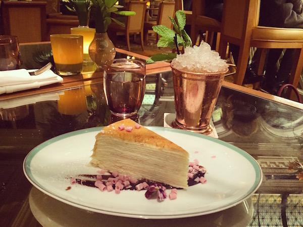 thelazyfrenchie_unebelgeanyc_plazahotel_palmcourt_newyork_travelblog_blogvoyage_belgianblogger_gateau_cake_apero_afternoontea_chic_gossipgirlstyle