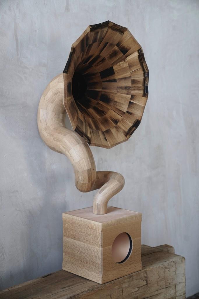 Fiddlehammer wood sculpting