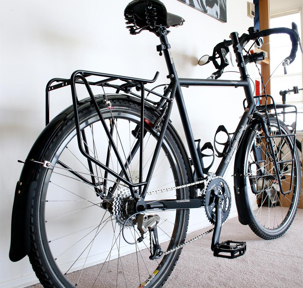 ...my old Thorn Sherpa...what a pretty bike...=-)