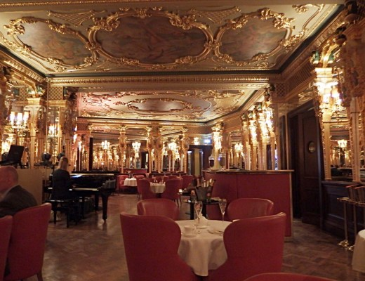 Oscar Wilde Bar Cafe Royal London