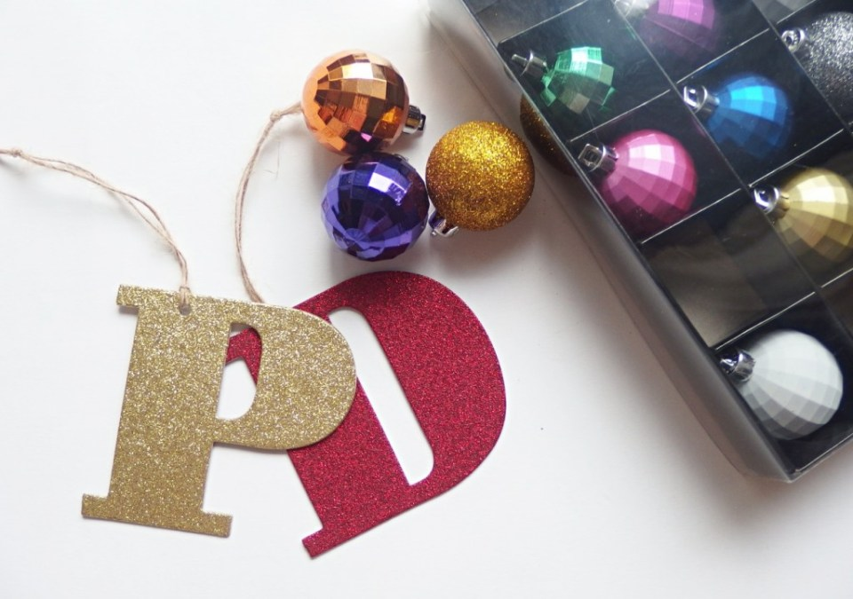 Christmas shopping and discounts