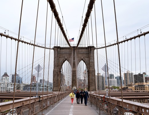 How to walk the Brooklyn Bridge