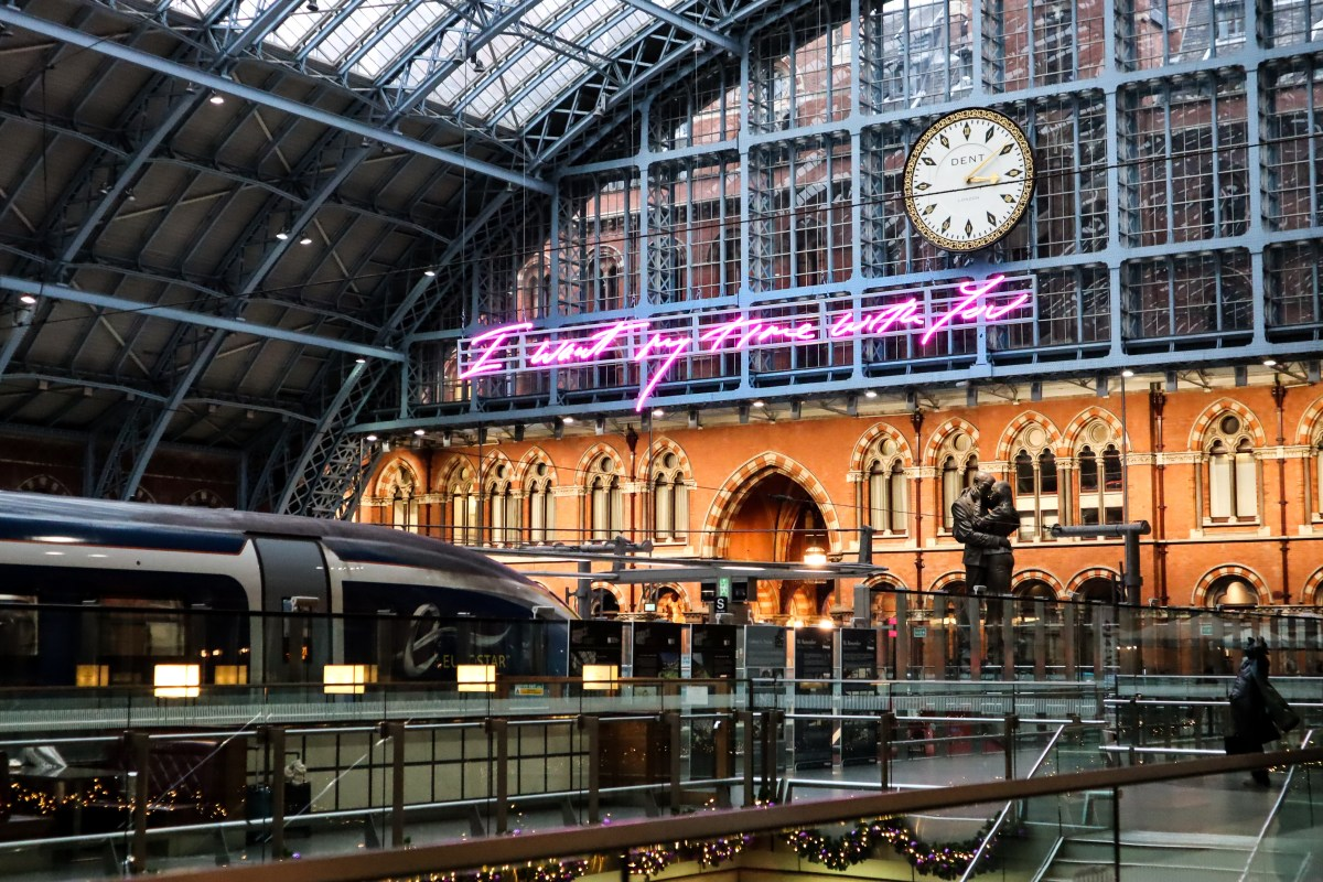 Tracey Emin neon sign at St Pancras International - The LDN Diaries