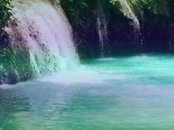 A closer Look at Cambugahay Falls Siqujior
