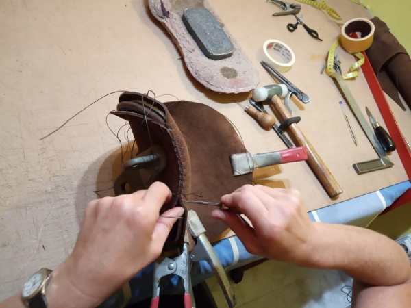 Leather Gaff Saddle