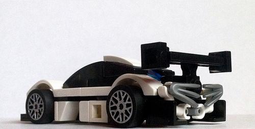 Tommy ñ's GTR - front