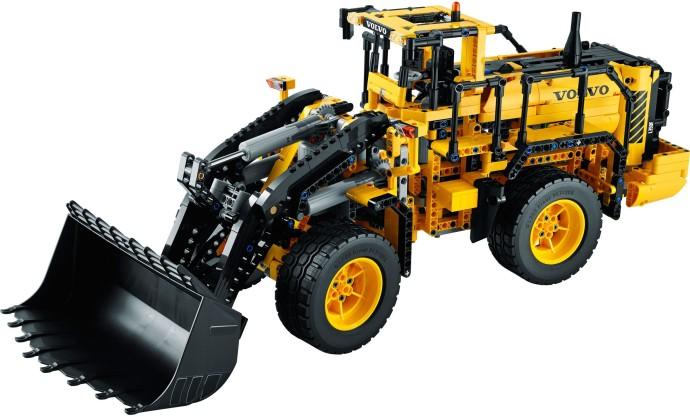 Lego Technic 42030 Volvo Review