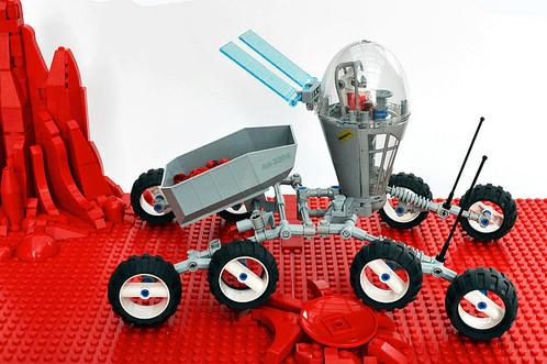 Lego Sci-Fi Dump Truck