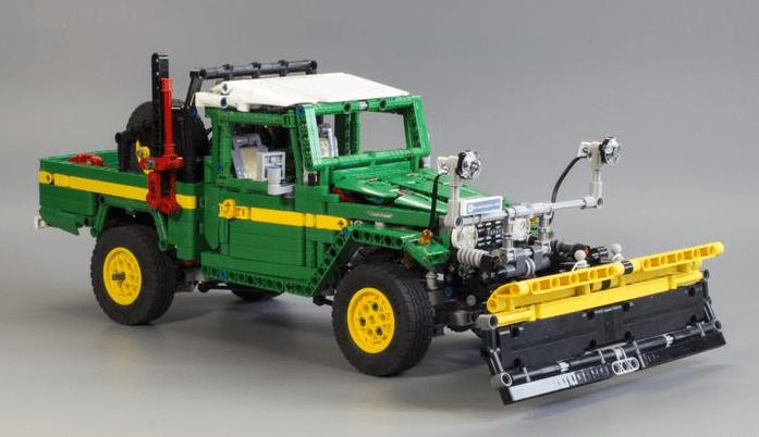 Lego Technic Toyota Land Cruiser Plough