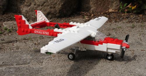 Lego Cessna 337 Skymaster
