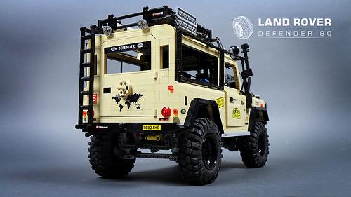 Lego Land Rover Defender Sariel