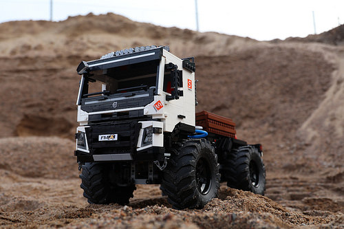 Lego Technic Volvo FMX 4x4 Crawler RC