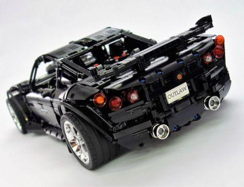 Lego Technic Outlaw Supercar