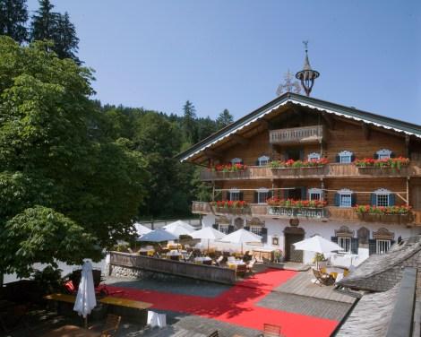 Gasthof Außenansicht, the rustic restaurant at Stanglwirt