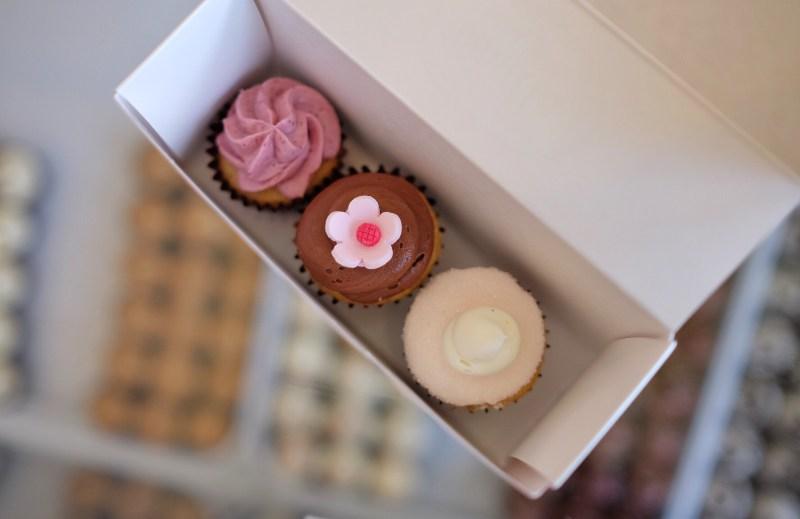 Let-Me-Eat-Cake-Vanilla-Bakeshop