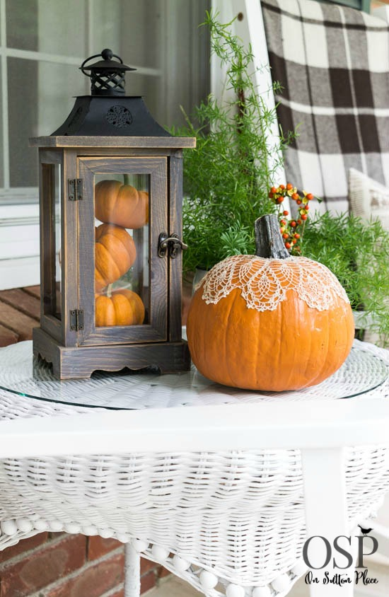7 Affordable Portable DIY Fall Table Centerpieces The