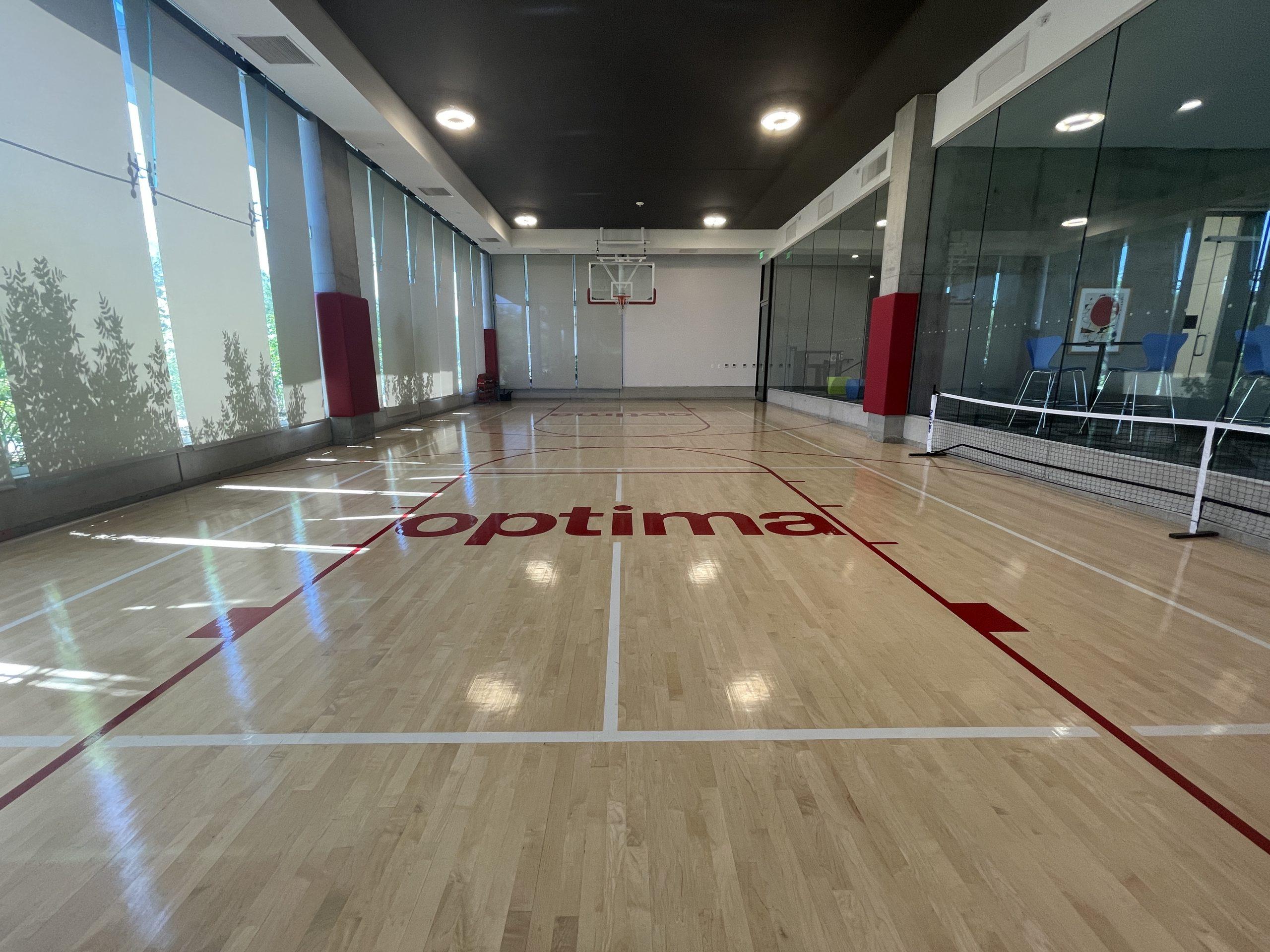 Basketball and Pickleball courts at Optima Kierland