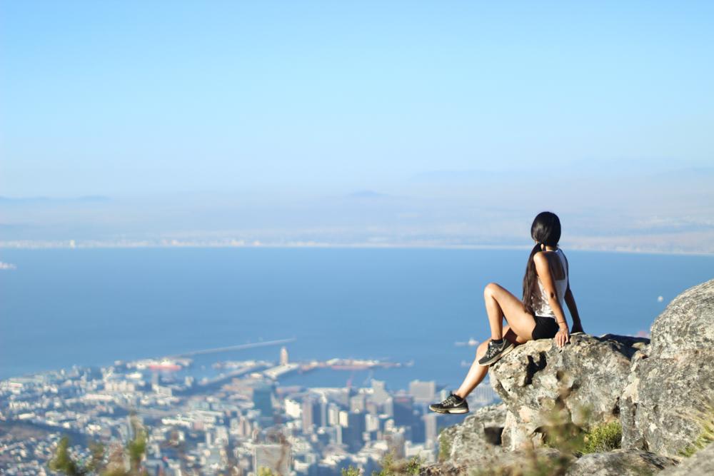 Montaña de la Mesa: escalando India Venster en Ciudad del Cabo, Sudáfrica