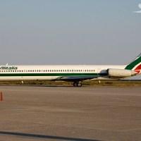 """Biglietti gratis per i """"privilegiati Alitalia""""? L'articolo indigna, ma è una bufala"""