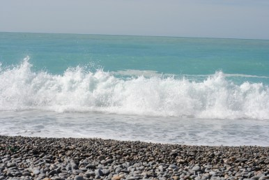 Last day in Nice, last few minutes spent on the seashore - waves like I have never seen before on the Mediterranean