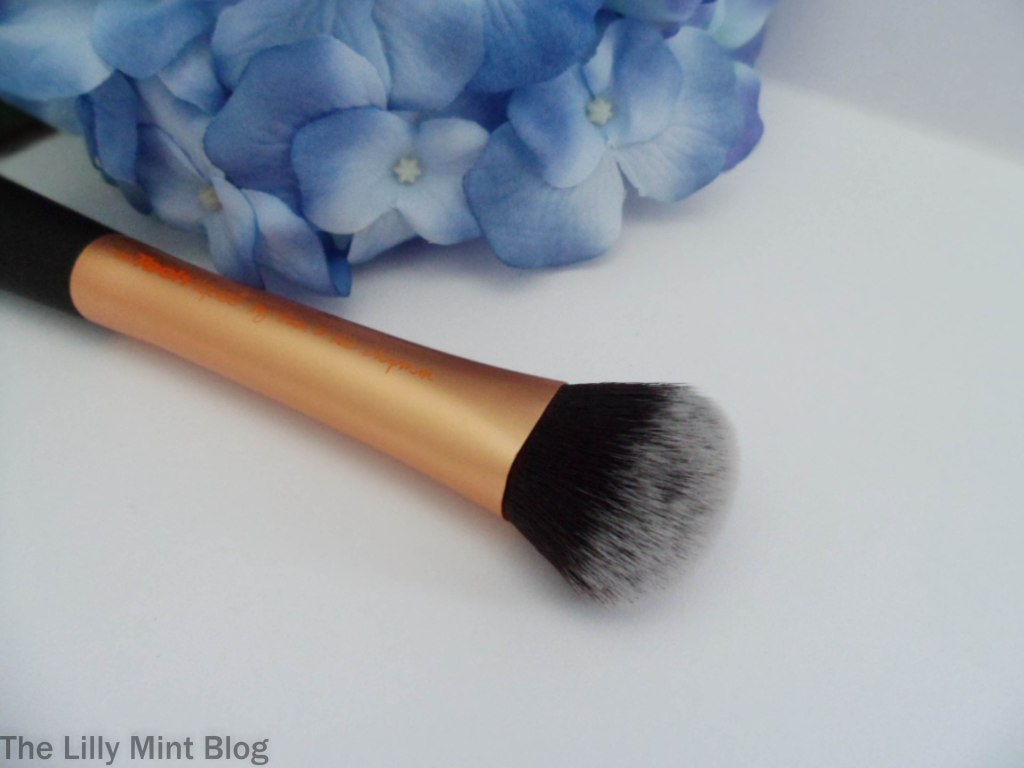 real-techniques-brushes-face-brush