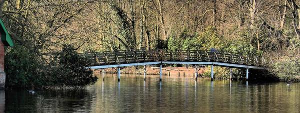 The original White Bridge from 1902
