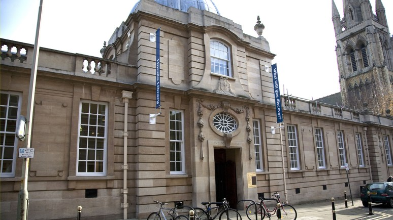 The Lincoln Central Library