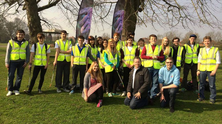 NCS graduates were joined by Lincoln MP Karl McCartney for the Boultham Park spring clean.