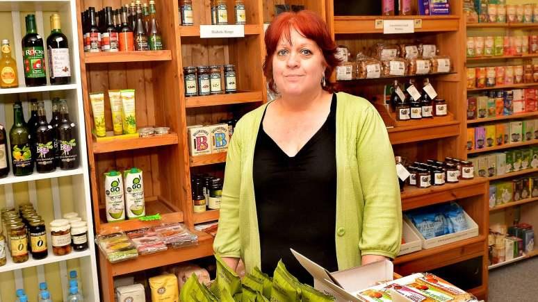 Linda Wardale of Yellowbellys of Bailgate.
