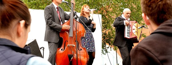 Swing Nouveau at Music in the Garden.