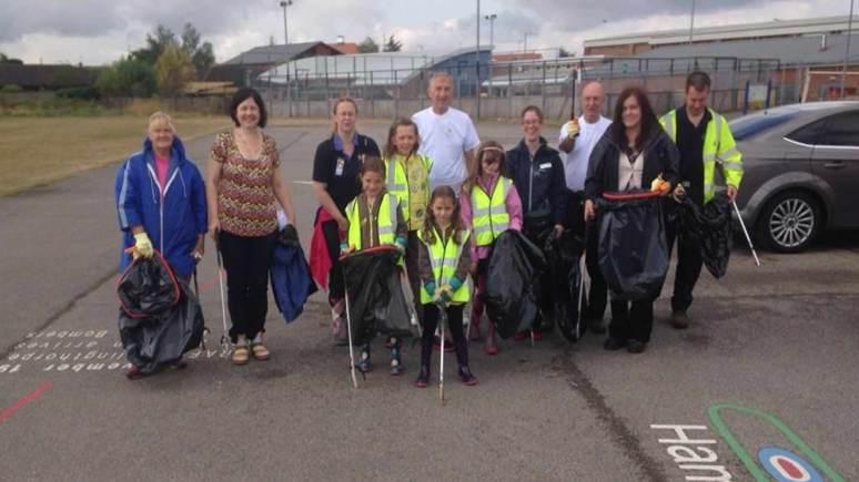 The volunteers taking part in the Birchwood litter pick. Photo: Cllr Rosanne Kirk